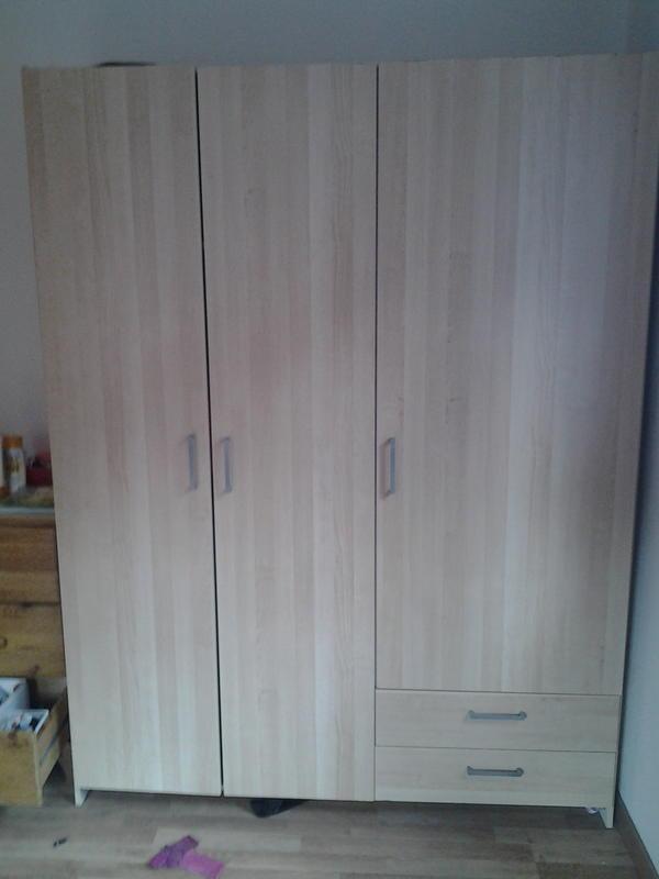 kleiderkasten zu verschenken in kennelbach schr nke sonstige schlafzimmerm bel kaufen und. Black Bedroom Furniture Sets. Home Design Ideas