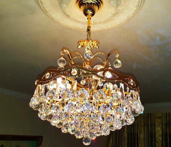 kristall h ngeleuchte mit unz hligen swarovski steinen in m nchen lampen kaufen und verkaufen. Black Bedroom Furniture Sets. Home Design Ideas