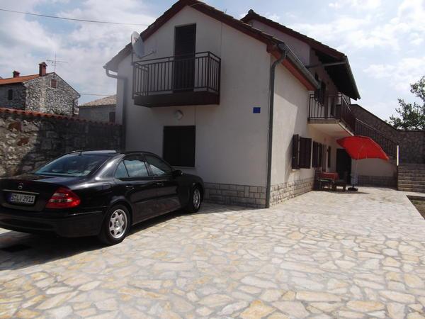 kroatien bei stadt umag zwei familien haus mit 10002 garten zu verkaufen in stuttgart 2. Black Bedroom Furniture Sets. Home Design Ideas
