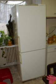 kuehl gefrierkombination in r dersdorf haushalt m bel gebraucht und neu kaufen. Black Bedroom Furniture Sets. Home Design Ideas