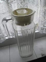 Kühlschrankkannen aus Glas
