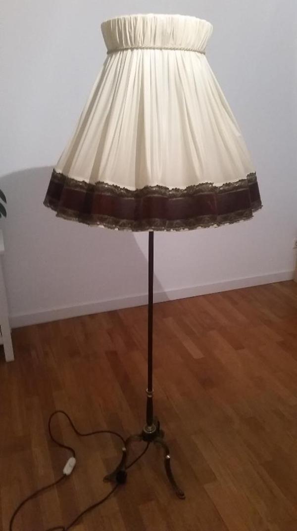 stehlampe antik. Black Bedroom Furniture Sets. Home Design Ideas
