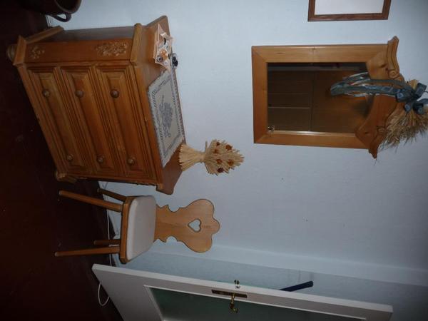 landhauskommode mit spiegel in berlin stilm bel bauernm bel kaufen und verkaufen ber private. Black Bedroom Furniture Sets. Home Design Ideas