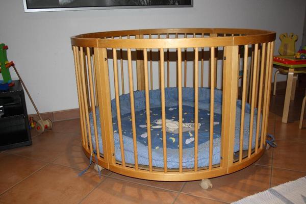 laufstall laufgitter rund von roba 120 cm durchmesser in wiesloch laufst lle hochst hle. Black Bedroom Furniture Sets. Home Design Ideas