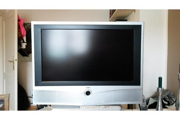 loewe xelos a 26 fernseher hd ready in m nchen tv projektoren kaufen und verkaufen ber. Black Bedroom Furniture Sets. Home Design Ideas