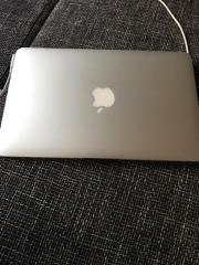 """MacBook Air 11.6\"""" Verkaufe meinen MacBook Air da ich auf einen MacBook Pro umgestiegen bin das MacBook hat keinerlei Schäden oder sonstige Mängel auf dem MacBook ist ... 450,- D-68169Mannheim Friesenheimer Insel Heute, 16:20 Uhr, Mannheim Friesenheimer I - MacBook Air 11.6"""" Verkaufe meinen MacBook Air da ich auf einen MacBook Pro umgestiegen bin das MacBook hat keinerlei Schäden oder sonstige Mängel auf dem MacBook ist"""