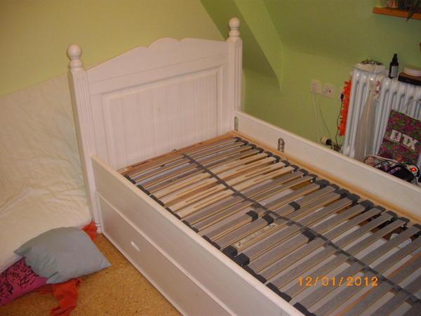 massivholzbett wei 90x200 kinder jugendzimmer aus altdorf. Black Bedroom Furniture Sets. Home Design Ideas
