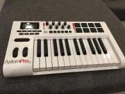 MIDI Keyboard M-