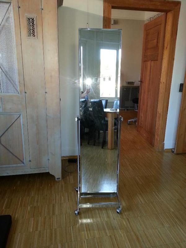 mobiler spiegel immer da wo sie ihn brauchen in. Black Bedroom Furniture Sets. Home Design Ideas