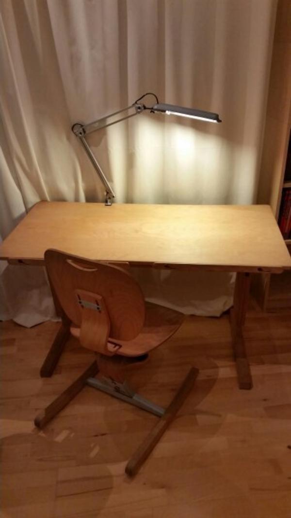 Moizi schreibtisch stuhl zu verkaufen in dornbirn for Jugendzimmer stuhl