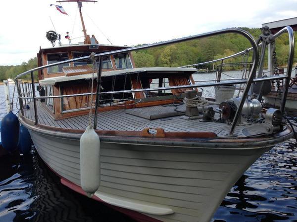 motorboot kaj tboot in berlin motorboote kaufen und verkaufen ber private kleinanzeigen. Black Bedroom Furniture Sets. Home Design Ideas
