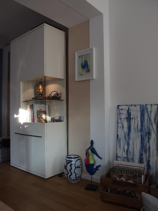 musterring aterno beleuchtete vitrine b98 h220 t45 lack wei in markt schwaben. Black Bedroom Furniture Sets. Home Design Ideas