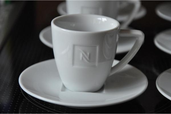 nespresso kaffeetassen espressotassen in kleinmachnow geschirr und besteck kaufen und. Black Bedroom Furniture Sets. Home Design Ideas