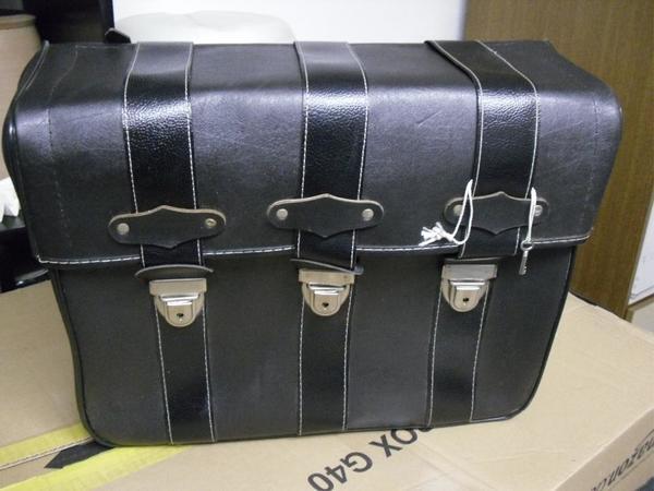 neuwertige packtasche satteltasche f r moped in kraichtal motorrad roller teile kaufen und. Black Bedroom Furniture Sets. Home Design Ideas