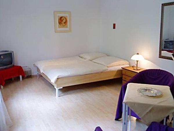 side by neu und gebraucht kaufen bei. Black Bedroom Furniture Sets. Home Design Ideas