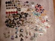 Pailetten, Perlen, Knöpfe,