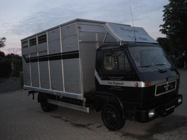 pferdetransporter viehtransporter man lkw 7 49t in. Black Bedroom Furniture Sets. Home Design Ideas