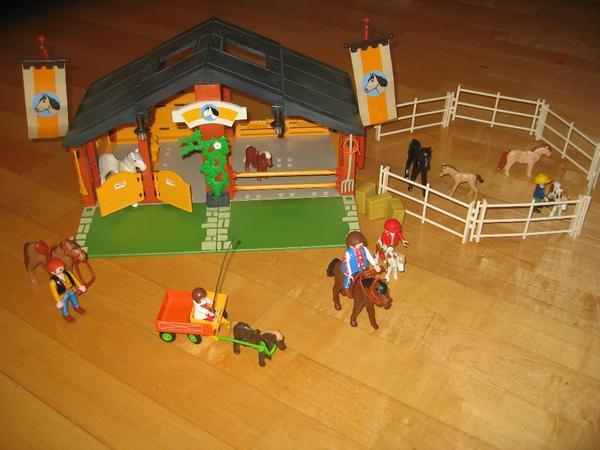 Playmobil reiterhof mit kinderkutsche in münchen