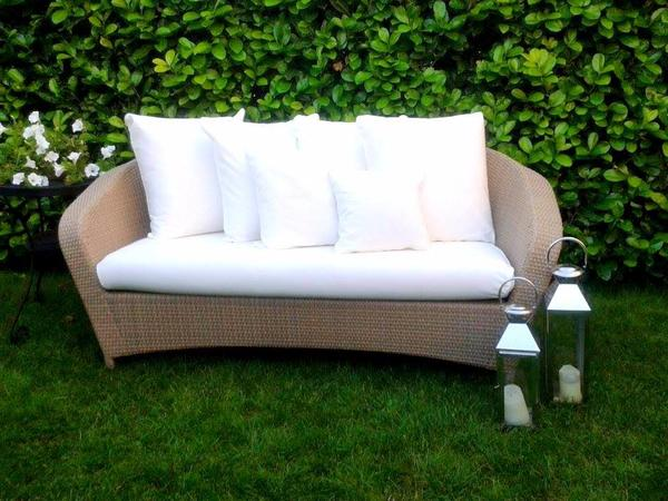 rausch classic rattan sofa weiss in karlsruhe gartenm bel kaufen und verkaufen ber private. Black Bedroom Furniture Sets. Home Design Ideas