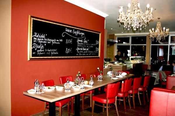 restaurant mit einrichtung bzw shisha lounge mit. Black Bedroom Furniture Sets. Home Design Ideas
