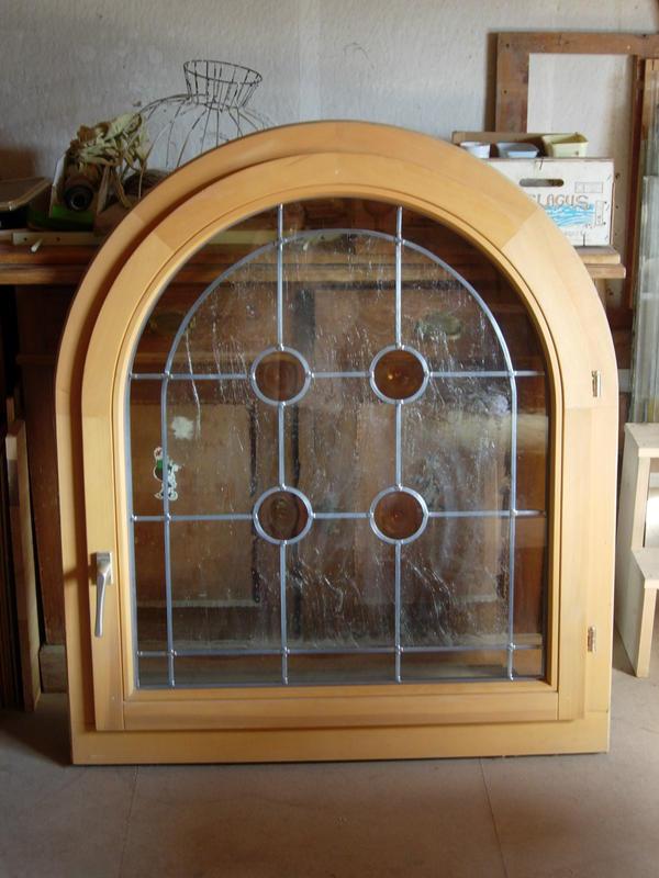 rundbogenfenster holz mit bleiverglasung 1050x1200mm in. Black Bedroom Furniture Sets. Home Design Ideas