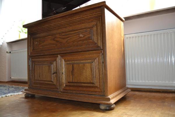 rustikale holzm bel in r lzheim haushaltsaufl sungen. Black Bedroom Furniture Sets. Home Design Ideas