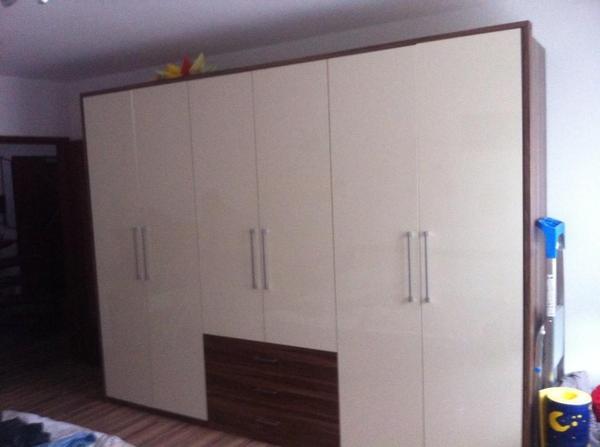 schlafzimmerschrank mit tv verschiedene. Black Bedroom Furniture Sets. Home Design Ideas