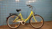 Schönes gelbes Damenrad