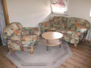 Sofa 3-Sitzer mit Sessel und Tisch Zum Verkauf steht ein 3-Sitzer Sofa mit Sessel und ein Runder Tisch. Das Sofa hat die Maße: L= 190cm, Tiefe= 85cm, Höhe= 85cm, Sitzhöhe= 45cm, Der ... 80,- D-77855Achern Heute, 11:45 Uhr, Achern - Sofa 3-Sitzer mit Sessel und Tisch Zum Verkauf steht ein 3-Sitzer Sofa mit Sessel und ein Runder Tisch. Das Sofa hat die Maße: L= 190cm, Tiefe= 85cm, Höhe= 85cm, Sitzhöhe= 45cm, Der