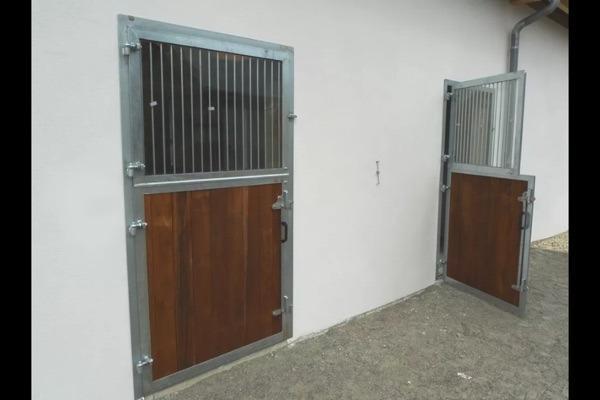 stallt r f r pferdestall in gescher pferdeboxen stellpl tze kaufen und verkaufen ber private. Black Bedroom Furniture Sets. Home Design Ideas