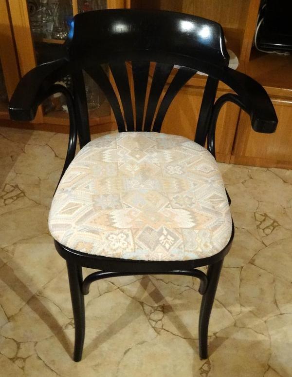 cm sitzh he 50 cm tief am holz an den beinen. Black Bedroom Furniture Sets. Home Design Ideas