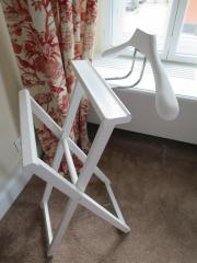 stummer diener holz haushalt m bel gebraucht und neu. Black Bedroom Furniture Sets. Home Design Ideas