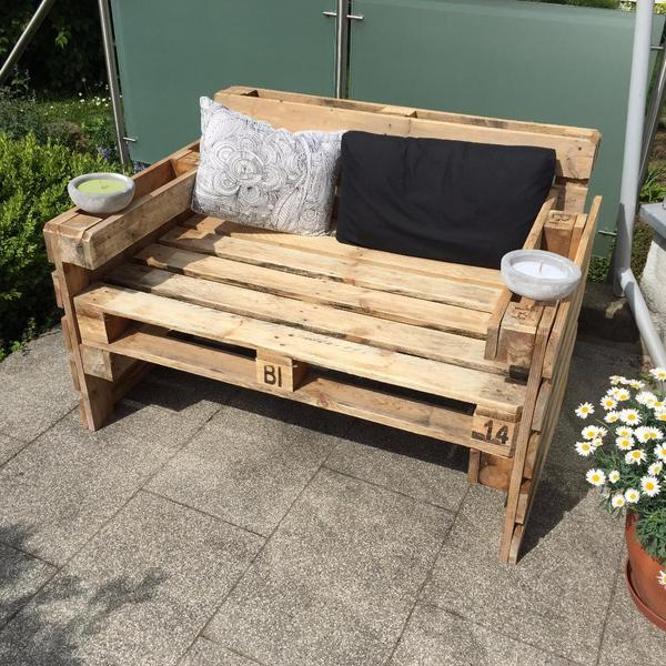 Stylische palettencouch in bretten polster sessel for Stylische sessel