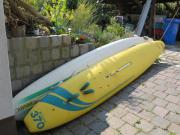 Surfbrett mit Segel