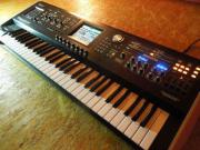 Synthesizer Roland V-