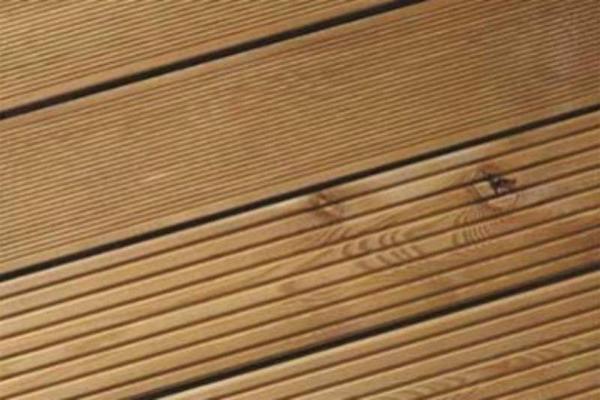 terrassenholz sibirische l rche terrassendiele geriffelt. Black Bedroom Furniture Sets. Home Design Ideas