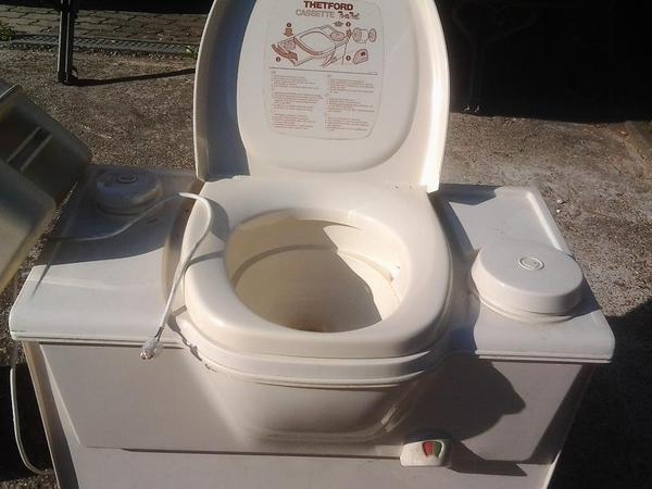thetford casette toilette c2 in tannhausen wohnwagen kaufen und verkaufen ber private. Black Bedroom Furniture Sets. Home Design Ideas