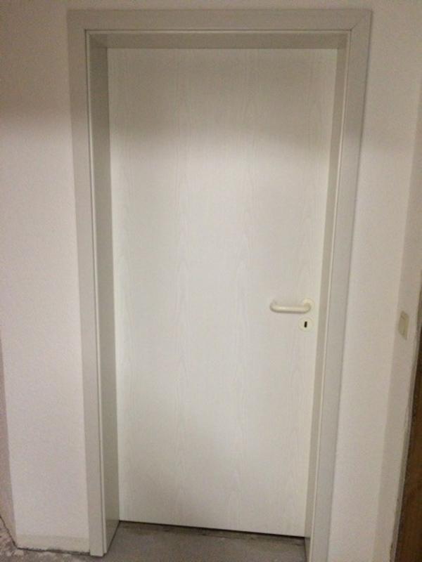 verkaufe 4 innent ren 2x rechts 2x links anschlag ohne zargen dekor esche wei au enma e. Black Bedroom Furniture Sets. Home Design Ideas