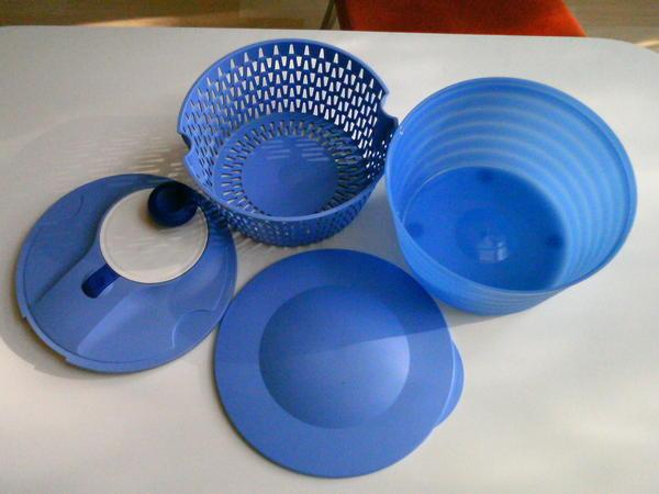 tupperware salatschleuder blau in p rgen haushaltsger te hausrat alles sonstige kaufen und. Black Bedroom Furniture Sets. Home Design Ideas