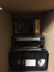 VHS Kassetten, zT..