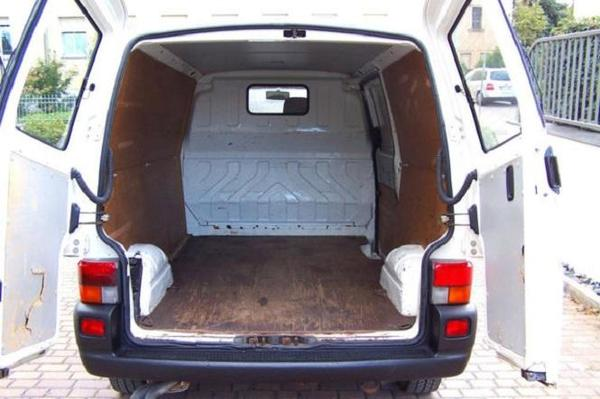 the car volkswagen t4 transporter 2 5 tdi 88 ps lang ad. Black Bedroom Furniture Sets. Home Design Ideas