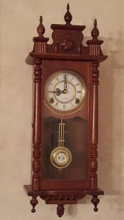Wand Uhr