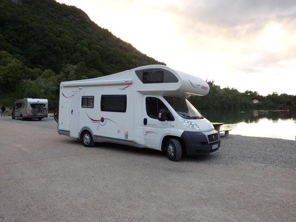 wohnmobil gebraucht kaufen campingbusse gebraucht worauf. Black Bedroom Furniture Sets. Home Design Ideas
