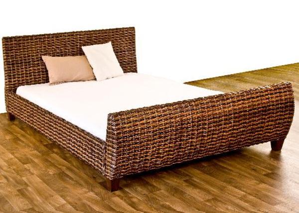 wundersch nes rattanbett zu verkaufen in hirschberg. Black Bedroom Furniture Sets. Home Design Ideas