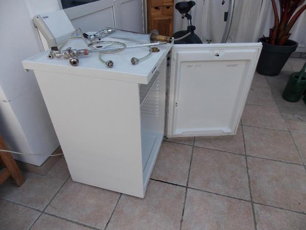 Bomann Kühlschrank Für Bierfass : Kühlschrank zapfanlage zapfkühlschrank komplett für bis liter