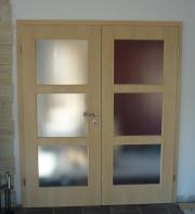 Zweiflügelige Türe mit