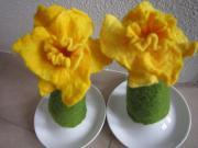 2 Eierwärmer handgefilzt Tulpe Tulpenform
