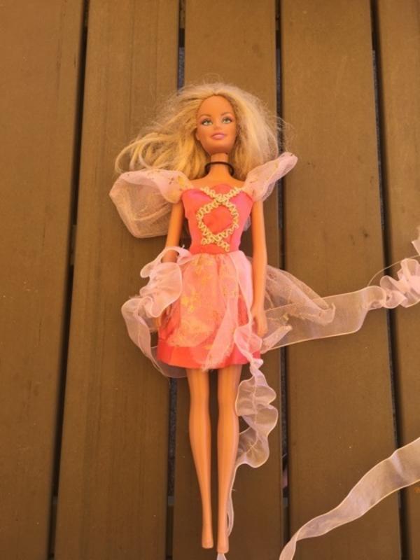 3 Barbies - Herrenberg - GebrauchtHaare brauchen ZuwendungBei der Ballettbaebie sind die Arme defektNur Abholung - Herrenberg