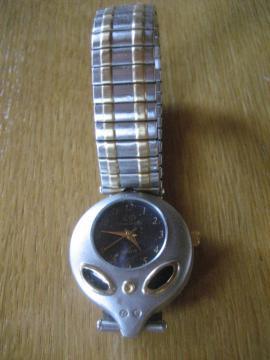 Armbanduhr Uhr Damenuhr Quarz NICKELFREI: Kleinanzeigen aus Birkenheide Feuerberg - Rubrik Uhren