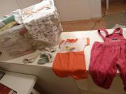Babykleidung Kiste mit